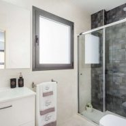 Malaga City Apartment_ 2 bedroom_bathroom_Realista Quality Properties Marbella