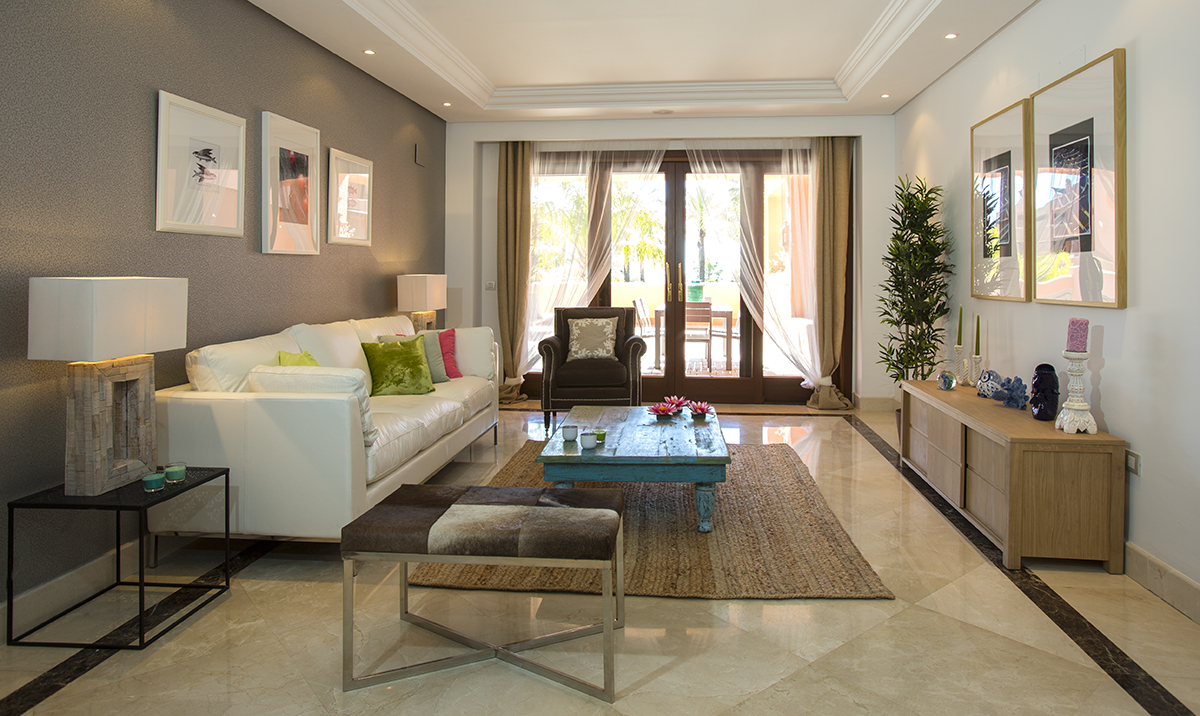 Modern beach front apartment for sale in Mar Azul Estepona