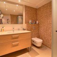 Marina Puente Romano_Duplex penthouse_Bathroom III_realista Quality Properties Marbella