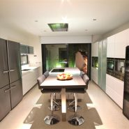 Modern design villa for sale in Capanes del Sur Benahavis_kitchen_Realista Quality Properties Marbella
