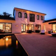 Modern villa for sale Los Monteros Playa_By night_Realista Quality Properties Marbella