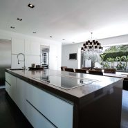 Modern villa for sale Los Monteros Playa_Kitchen V_Realista Quality Properties Marbella