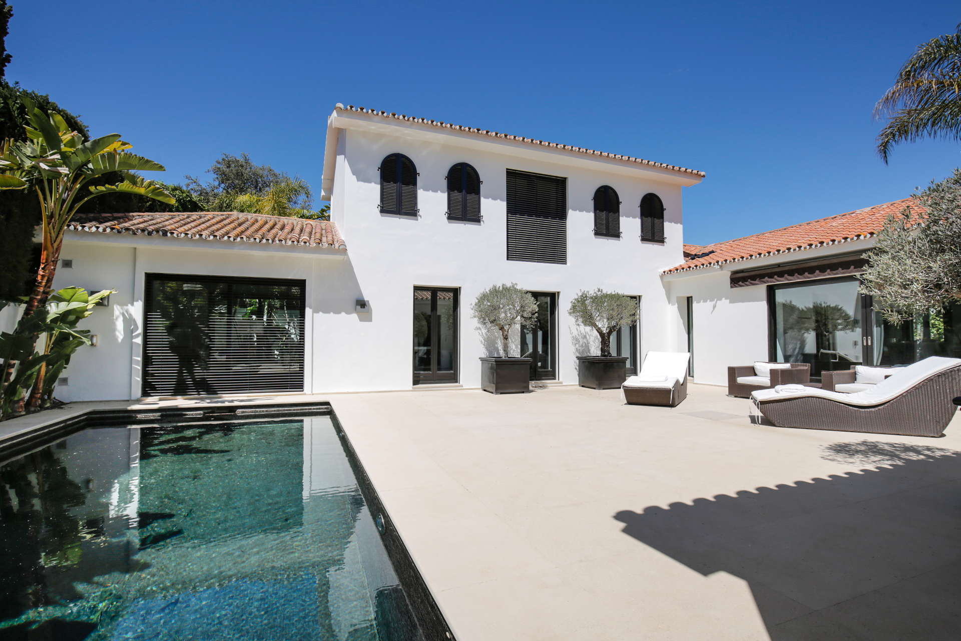 Modern villa for sale Los Monteros Playa, Marbella East walking distance to the beach and La Cabane Beach Club