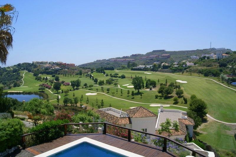 Beautiful reform villa in La Alqueria Benahavis for sale