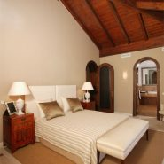 Villa La Alqueria_guest bedroom_Realista Quality Properties Marbella