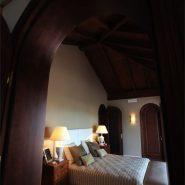 Villa La Alqueria_master at night_Realista Quality Properties Marbella