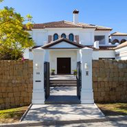 Villa Los Flamingos 5 bedroom_Entrance_Realista Quality Properties Marbella