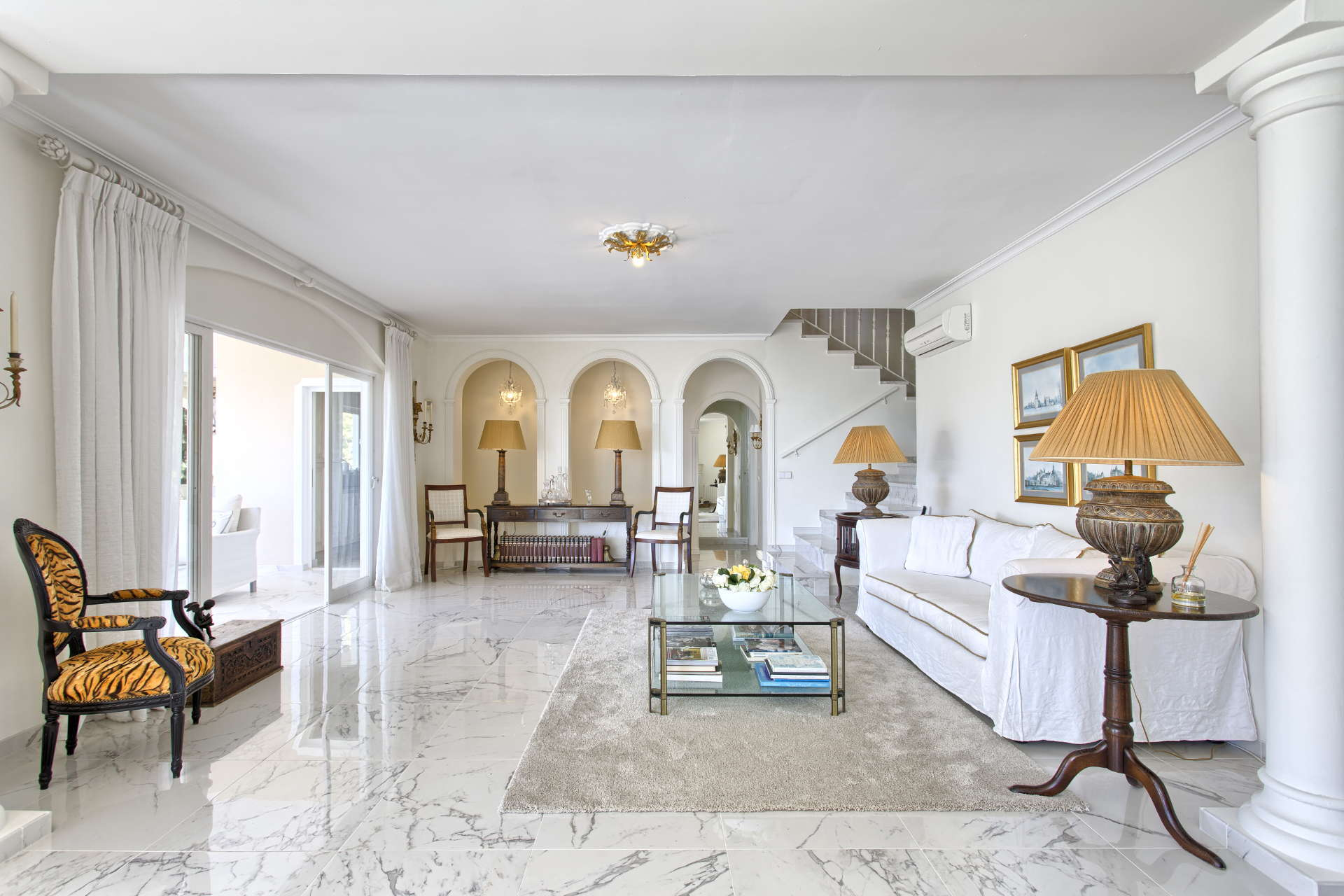Quality villa for sale in Marbella Hill Club with spectacular views ...