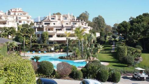 Capanes del Golf apartment_Pool view II_Realista Quality Properties Marbella