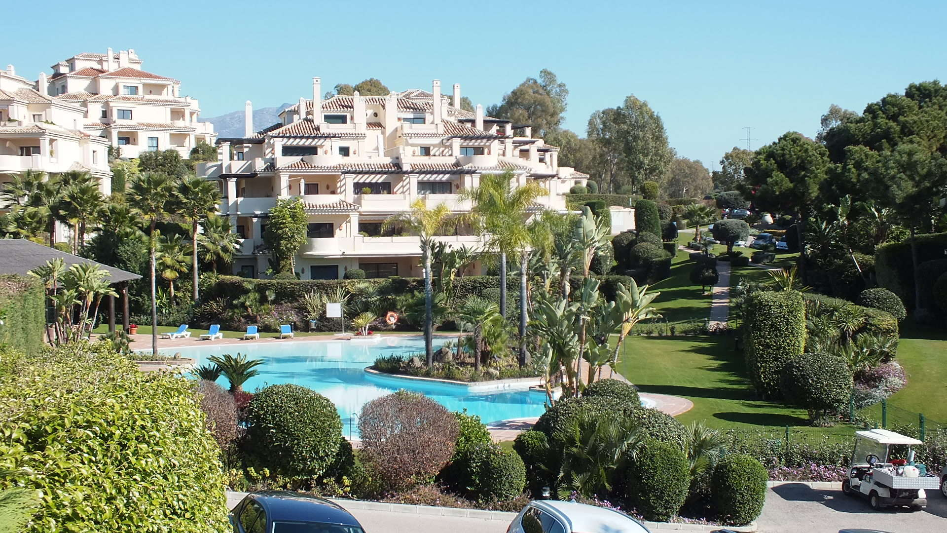 Cheapest apartment in Capanes del Golf, Benahavis