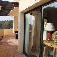 Capanes del Golf apartment_Terrace side of the kitchen_Realista Quality Properties Marbella