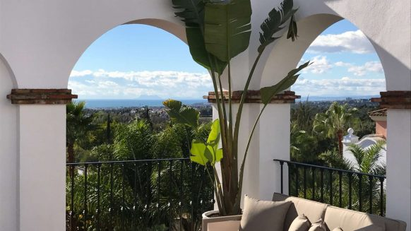 Columbus Hills Partly coverd terrace_Realista Quality Properties Marbella
