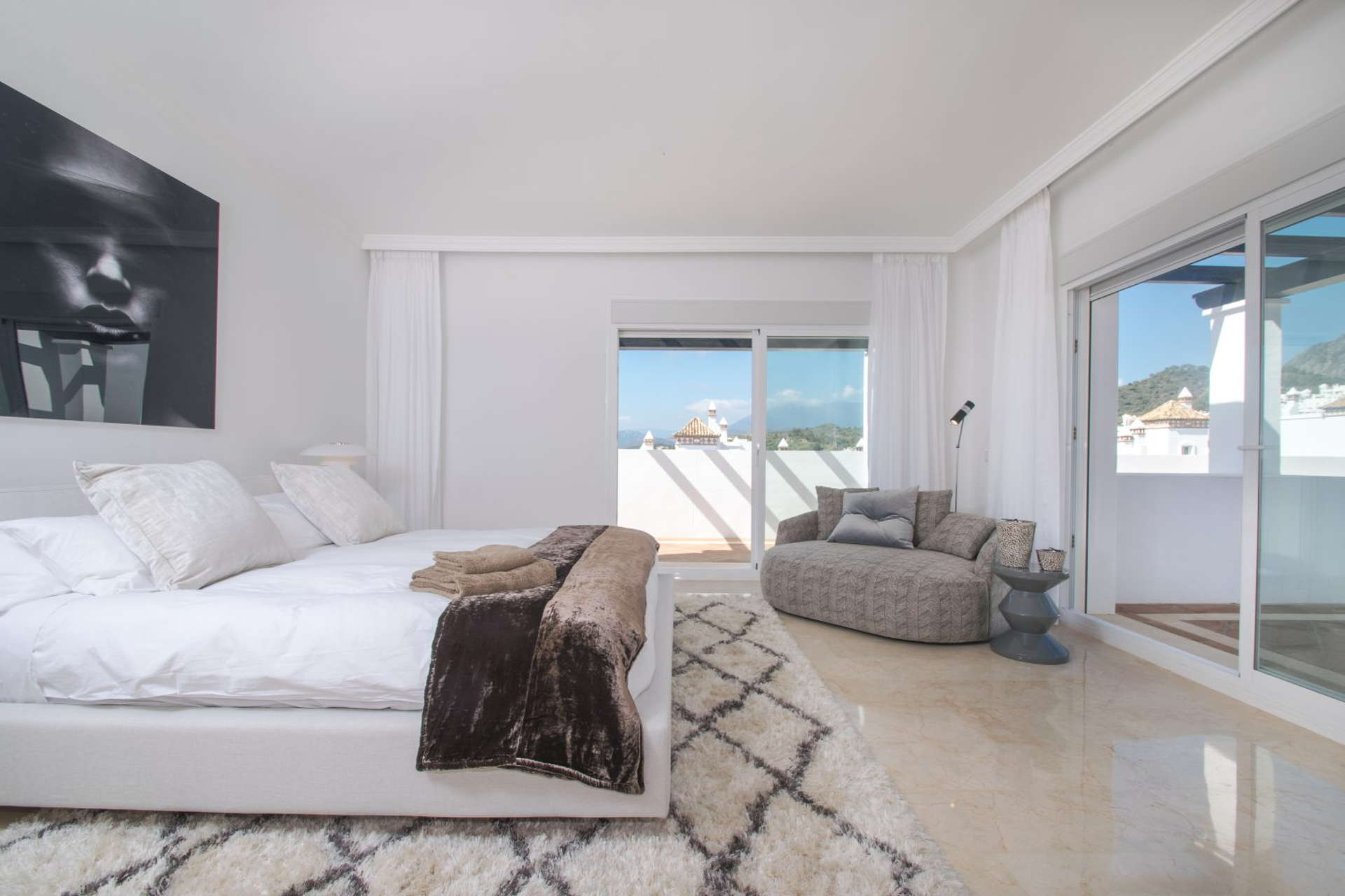 Refurbished 2 Bedroom Apartment For Sale In Sierra Blanca Marbella Columbus Hills Realista