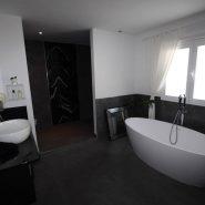 El Madronal 5 bedroom villa for sale_guest bathroom_Realista Quality Properties Marbella