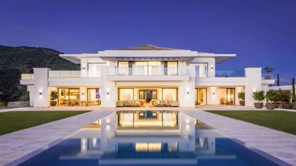 La Zagaleta for sale_Luxury villa_Heaven 11_ by night_Realista Quality Properties Marbella