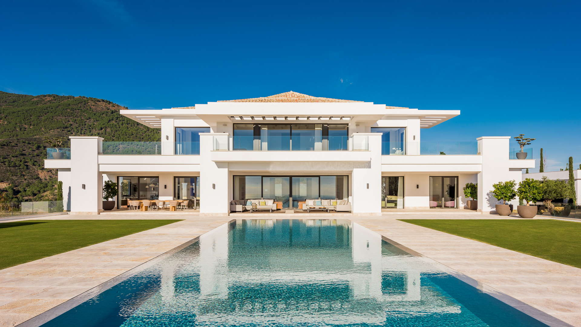 The most exclusive new modern villa for sale with for Contemporary villa