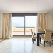 Lomas del Conde Luque Benahavis_sea view 2 bedroom apartment_living room II_Realista Quality Properties Marbella