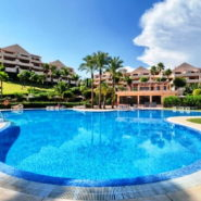 Lomas del Conde Luque Benahavis_sea view 2 bedroom apartment_swimmingpool_Realista Quality Properties Marbella
