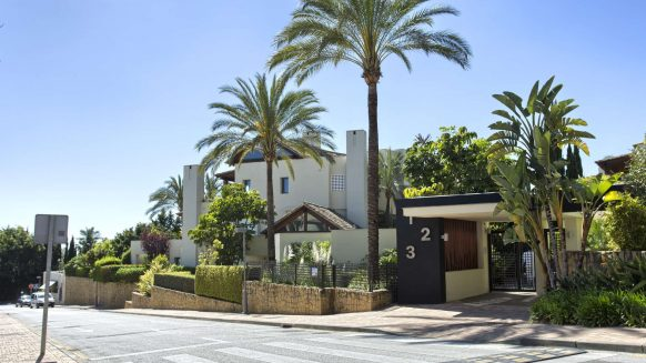 Imara Sierra Blanca Golden Mile_entrance_Realista Quality Properties Marbella