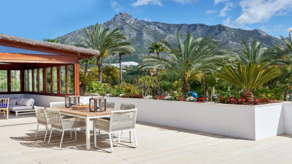 New 4 bedroom Penthouse in Lomas del Rey on the Golden Mile near Puente Romano and Marbella Club hotels