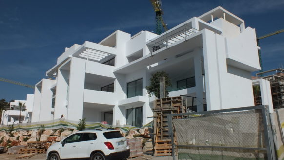 Atalaya Hills appartement frontline golf te koop for sale in Benahavis
