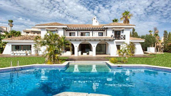 Villa Nueva Andalucia for sale_ walking distance Puerto Banus Marbella_ Realista Quality Propeties Marbella I