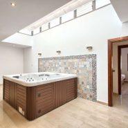 Villa Nueva Andalucia for sale_ walking distance Puerto Banus Marbella_ Realista Quality Propeties Marbella 21