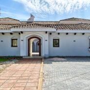 Villa Nueva Andalucia for sale_ walking distance Puerto Banus Marbella_ Realista Quality Propeties Marbella 3