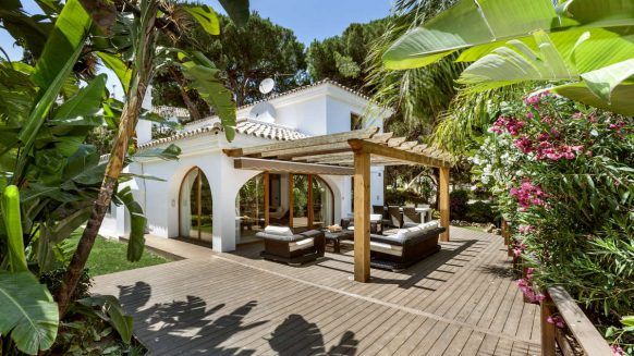 Beautiful family villa for sale in Elviria with large garden area_Realista Quality Properties Marbella 17