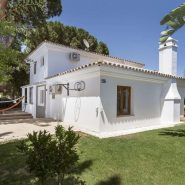 Beautiful family villa for sale in Elviria with large garden area_Realista Quality Properties Marbella 16