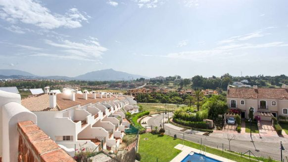 Townhouse for sale in El Paraiso Estepona close to Marbella