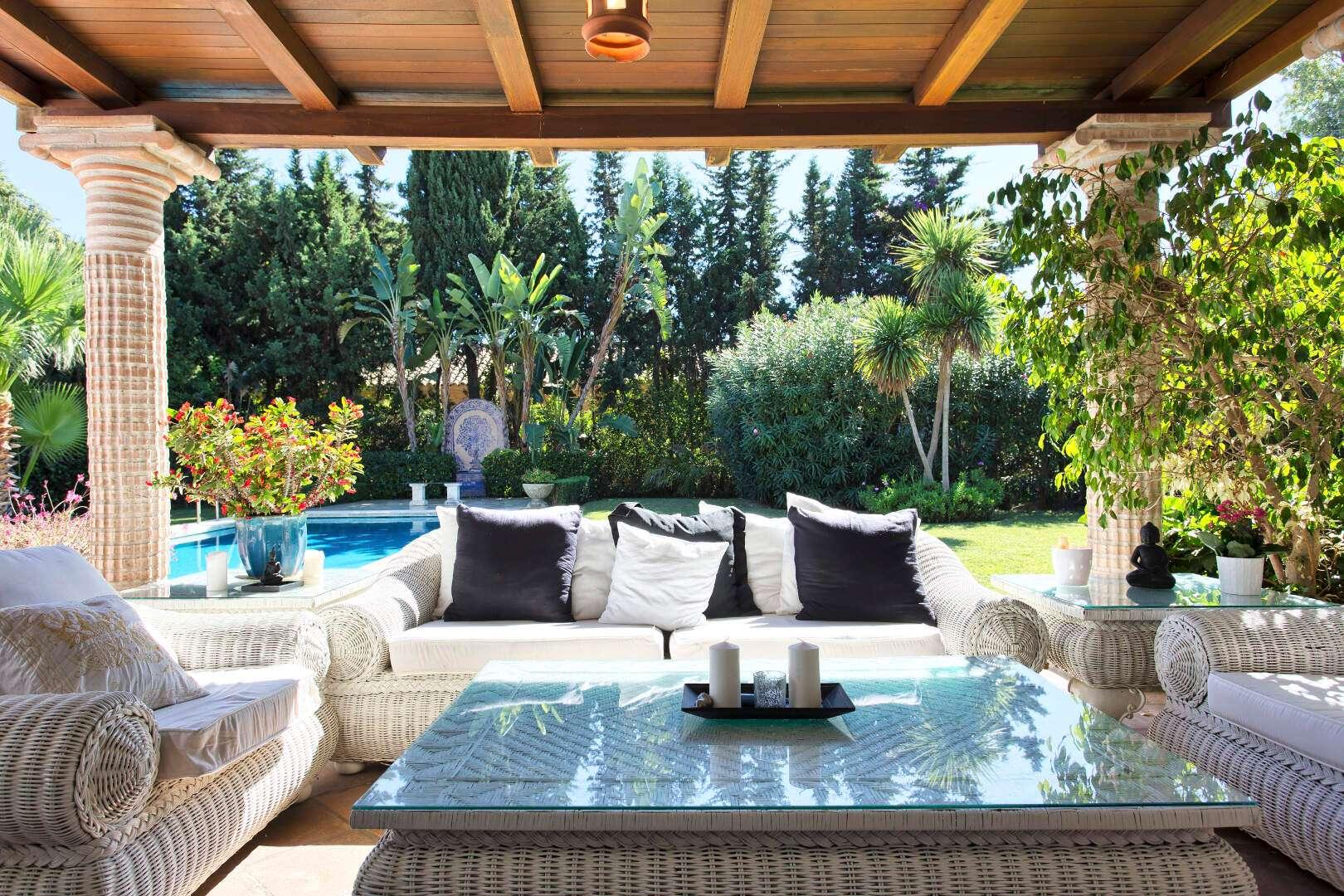 Single level villa for sale in El Paraiso Estepona