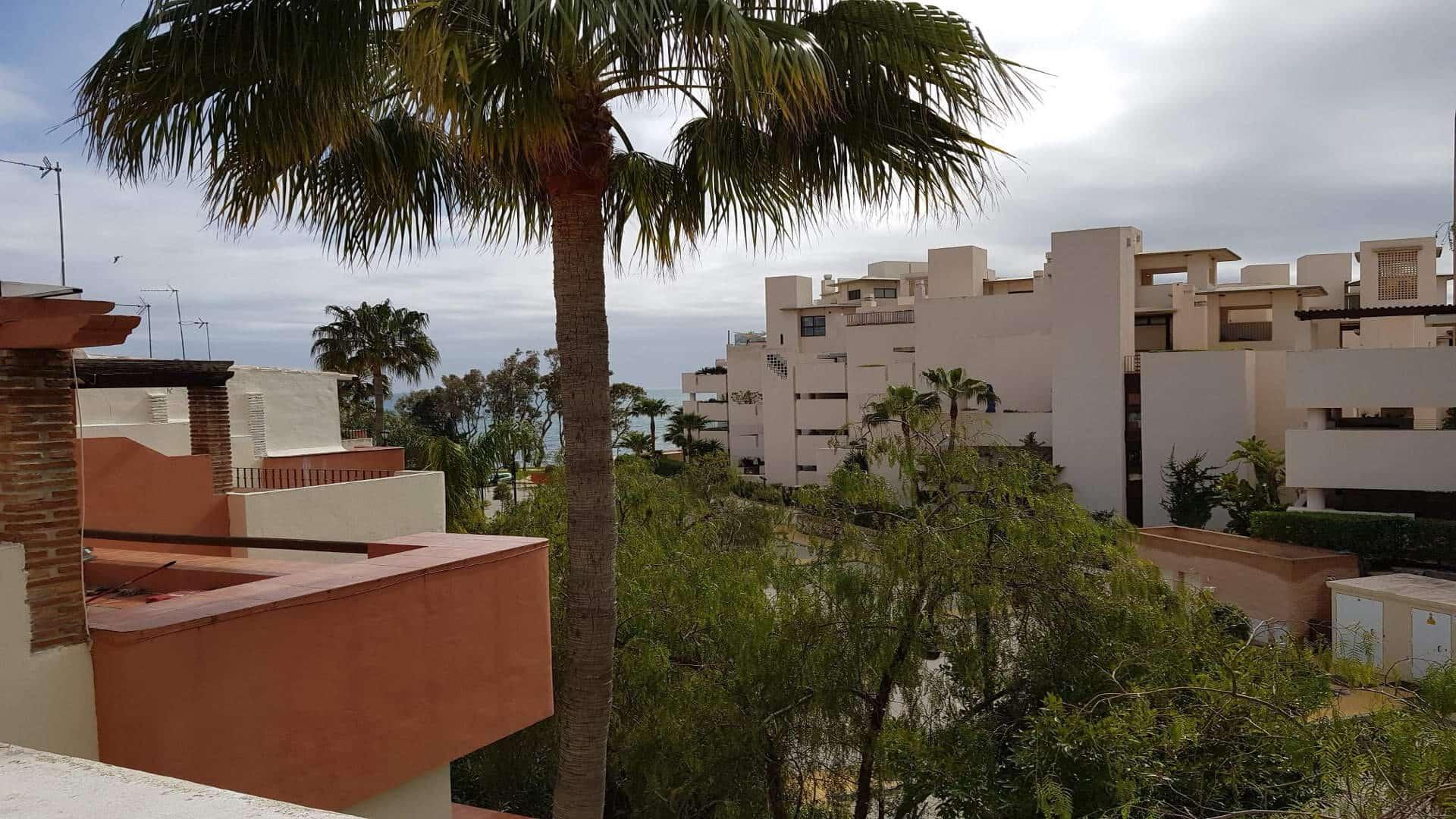 Garden Beach townhouse Estepona for sale close to town • Realista