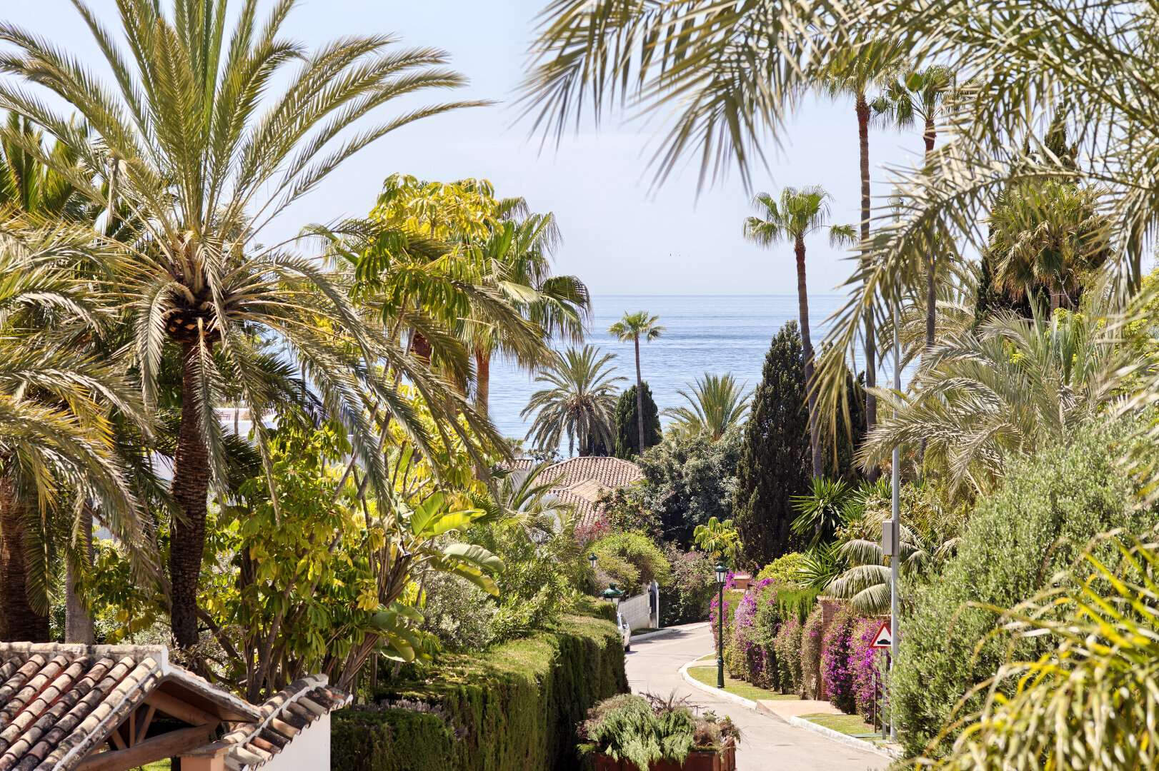 Villa for sale Los Monteros Playa Marbella walking distance to the beach and La Cabane Beach Club