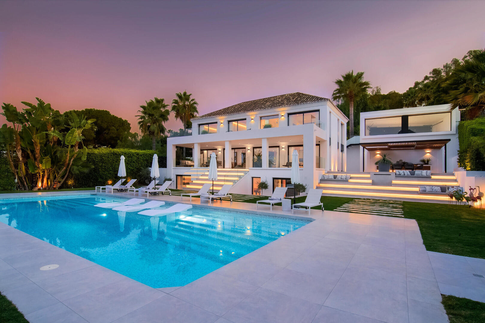 Scandinavian Design and Quality Villa with Stunning Views in Las Brisas Nueva Andalucia