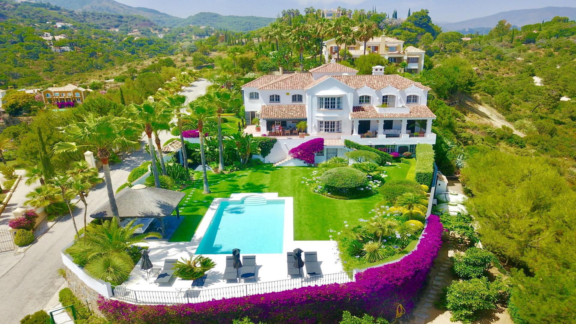 El Madroñal Property For Sale