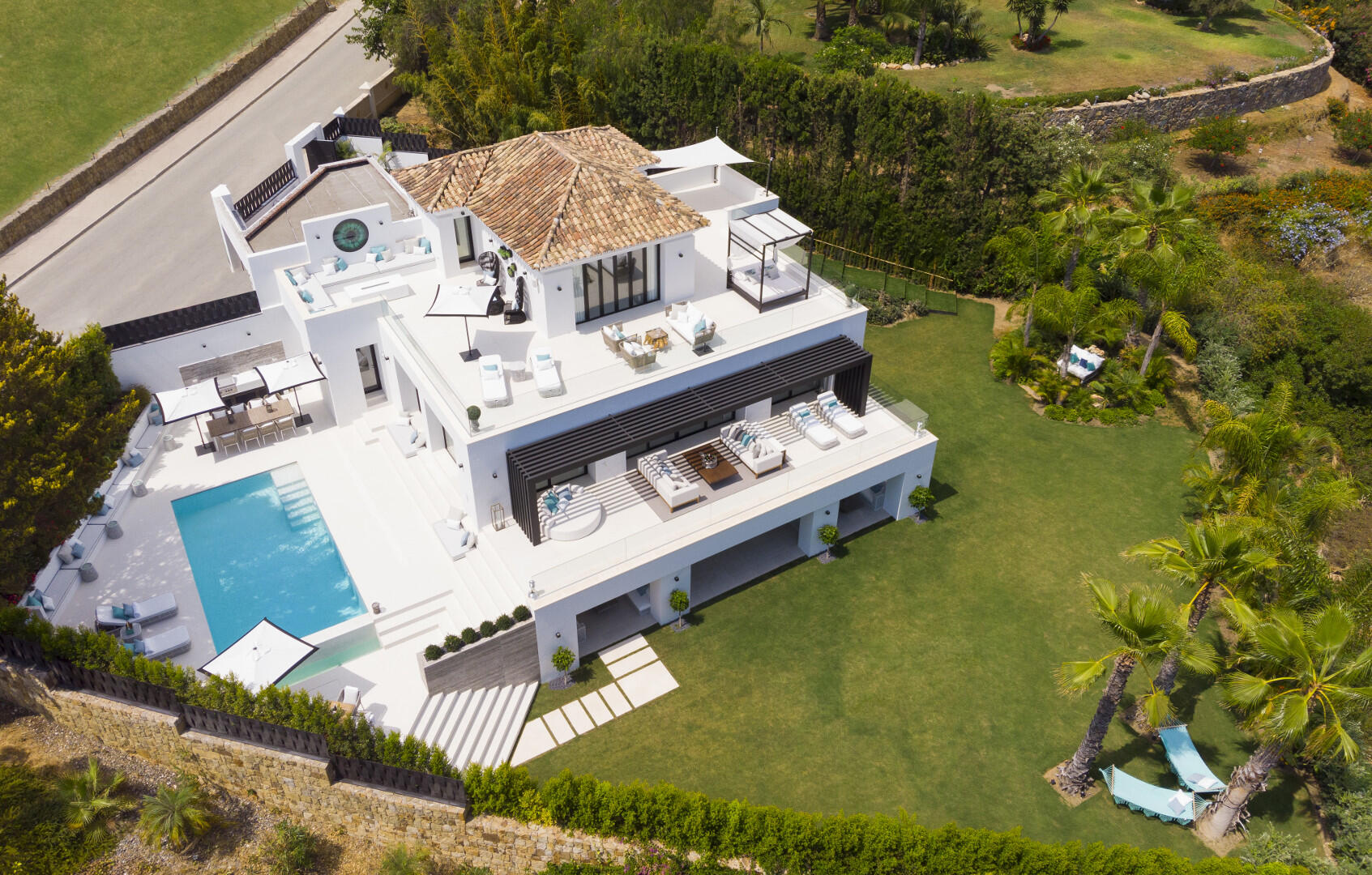 Contemporary High Standard Villa for sale with Golf and Sea views in the highly sought-after area of Los Naranjos Golf Nueva Andalucia, Marbella