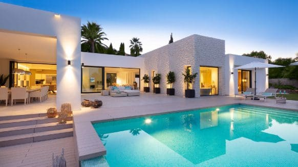 One-of-a-kind villa in Las Brisas, Nueva Andalucia built with the best quality materials