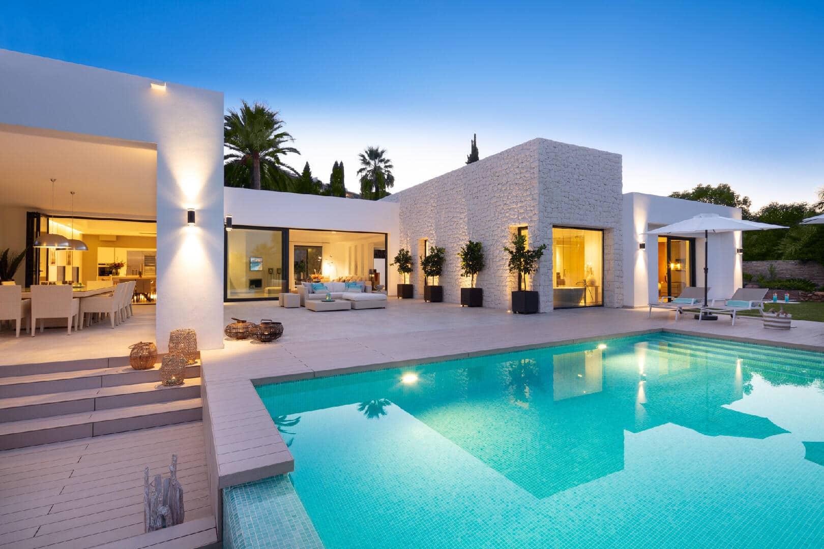 One-of-a-kind villa in Las Brisas, Nueva Andalucia