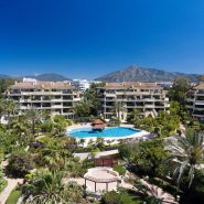 Duplex frontline beach Apartment Laguna de Banus, Realista Quality Real Estate Marbella