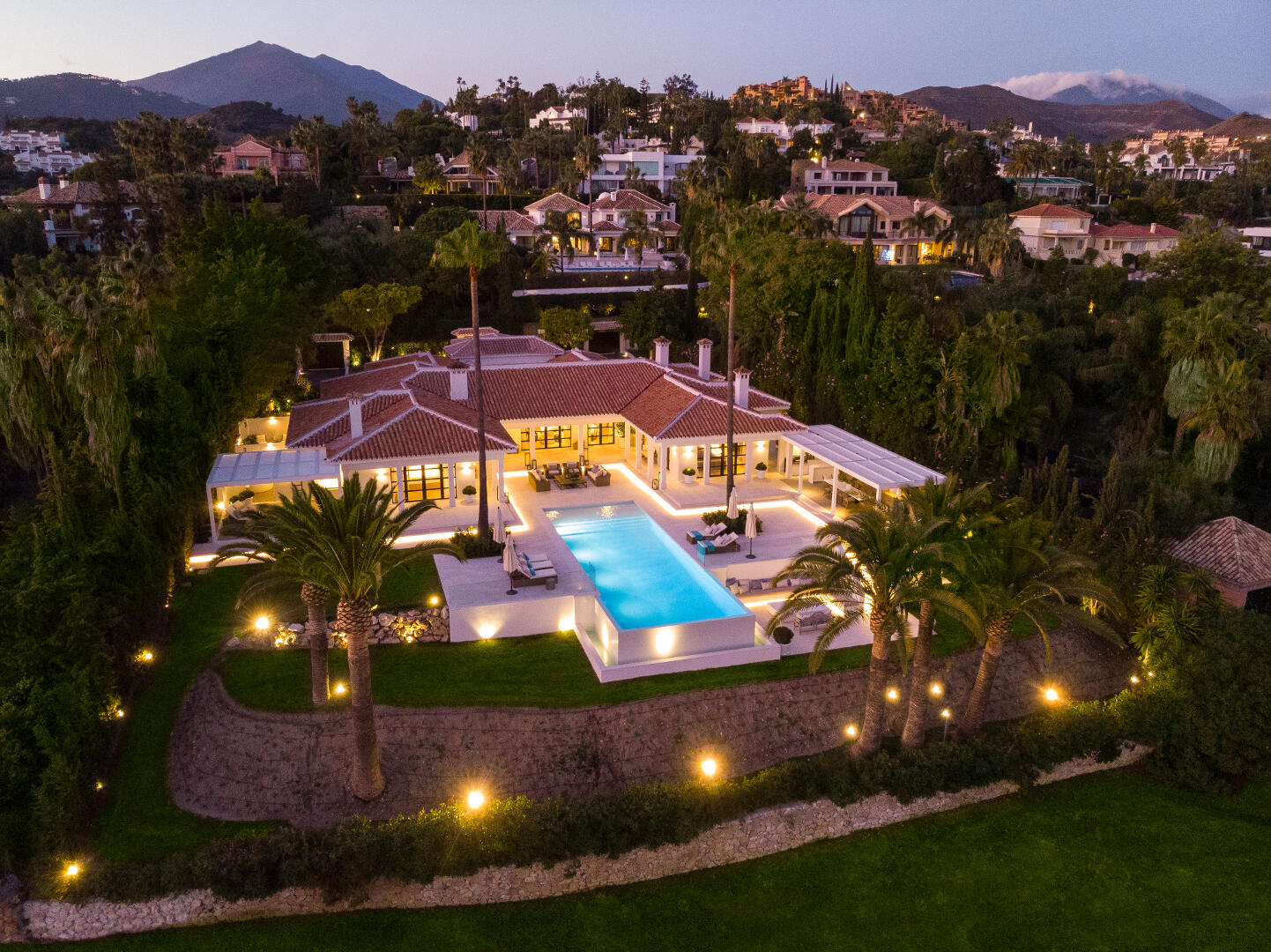Sea view Front line golf villa in La Cerquilla, Marbella