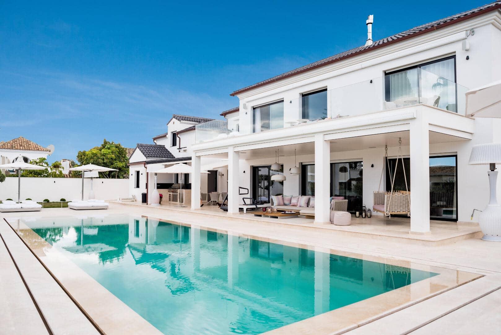 Beach side Villa in Casablanca Marbella's Golden Mile