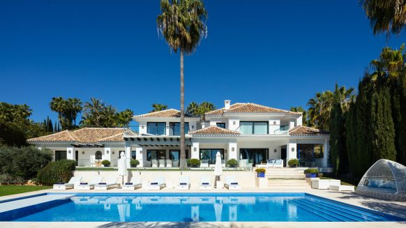 Ideal luxury family villa in La Cerquilla Nueva Andalucia, Marbella