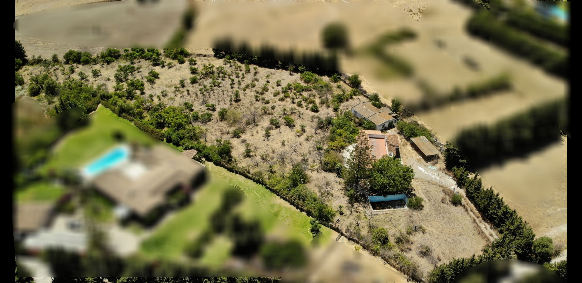 Rural land walking distance to Estepona, country living with mountain and sea view.