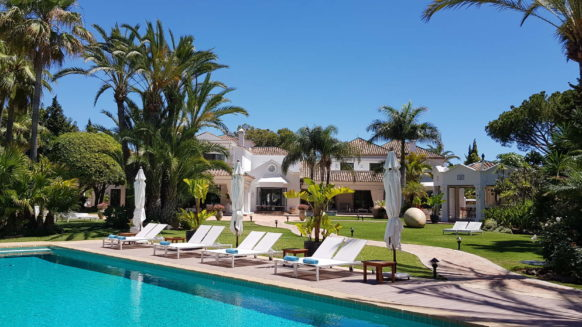 Magnificent country estate villa at walking distance to the beach in Guadalmina Baja San Pedro Marbella