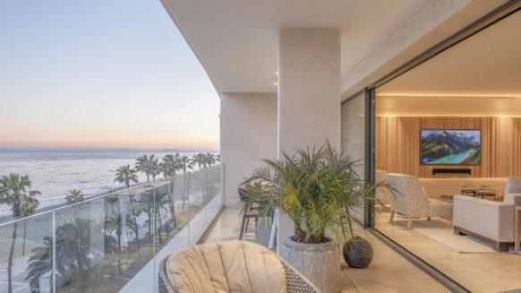 Estepona Front Line Beach Apartment