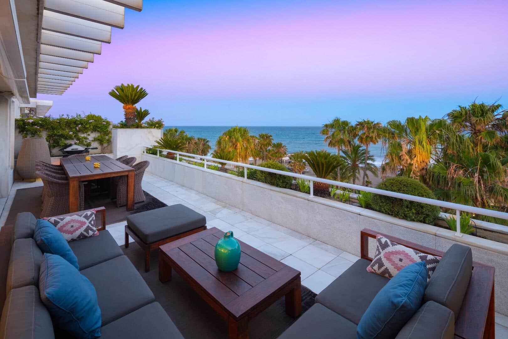 Duplex penthouse apartment with private pool in los Granados, Puerto Banus Marbella