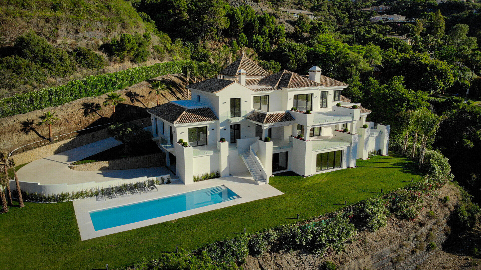 New build La Zagaleta villa modern with a sea view
