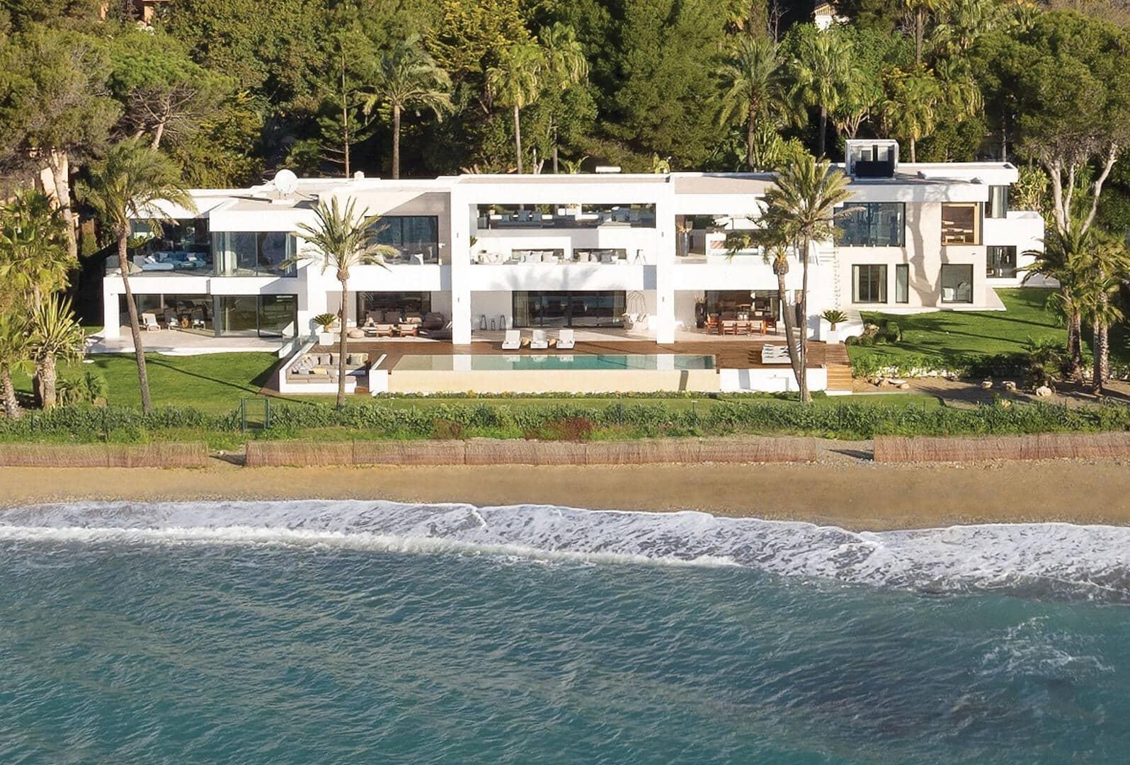 Front line Beach Villa in Marbella West, Modern Luxury Beach Living