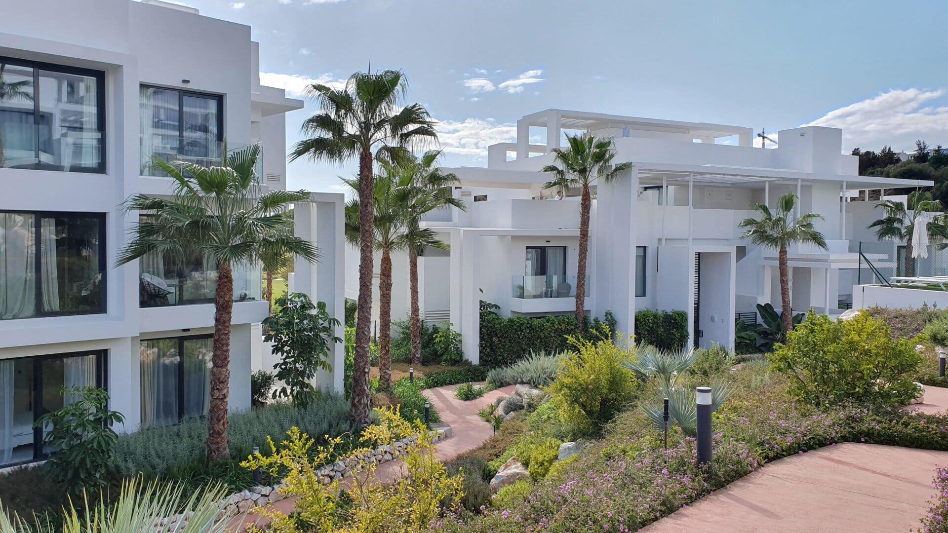 Penthouse Atalaya Hills Benahavis large terrace_Realista Quality Real Estate